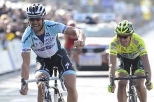Pozzato fulmina Pozzato allo sprint del Fiandre, particolare